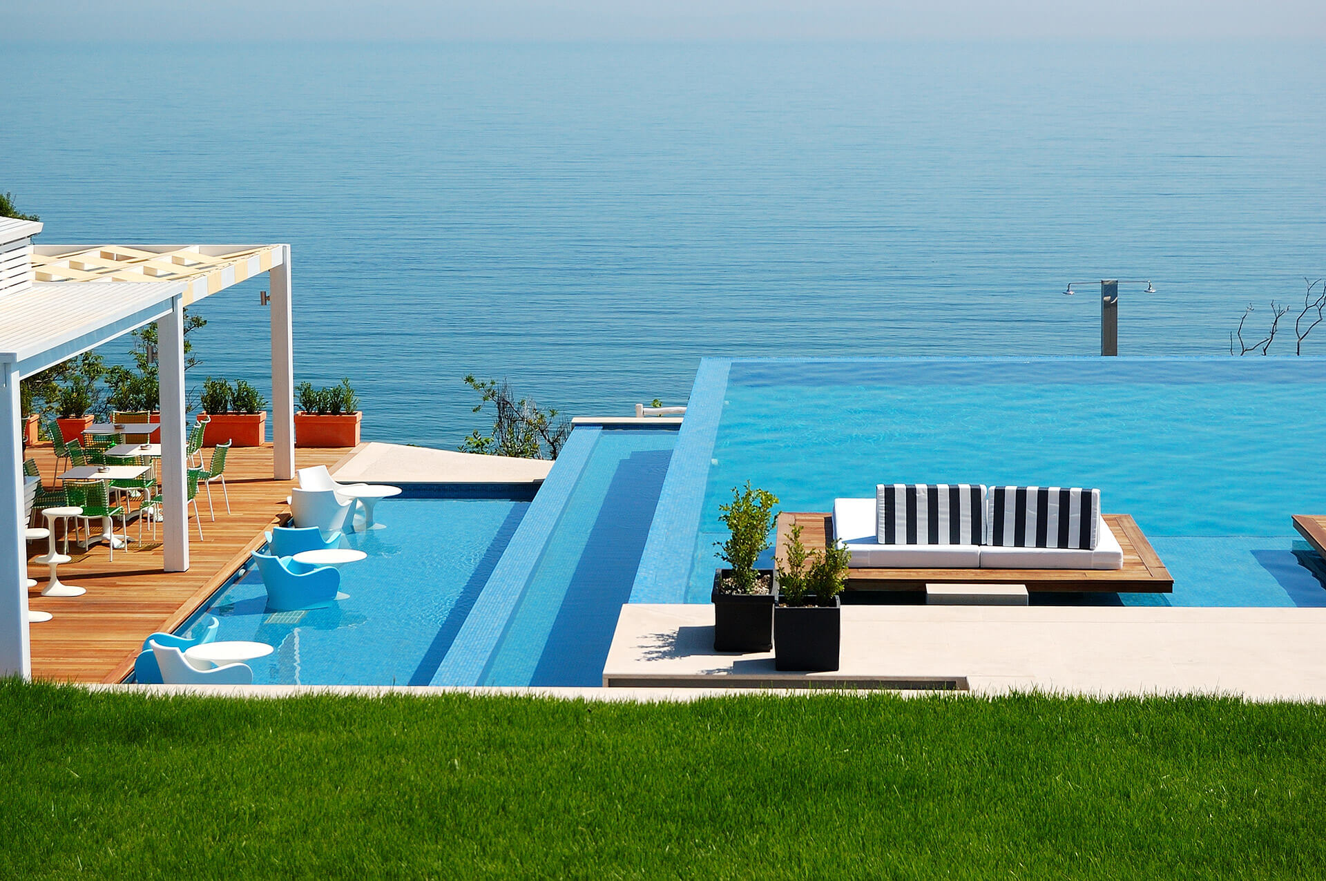 Staggered Swimming Pool with Infinity Edge Design